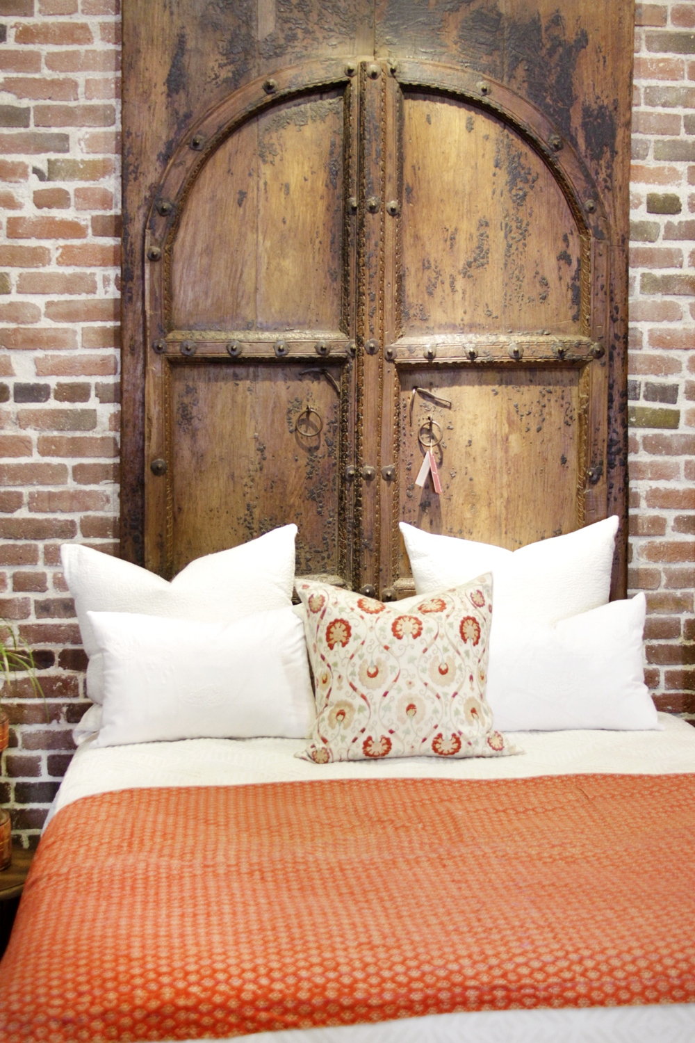 Tall Arched Antique Spanish Entrance Doors, Pair. « - Tall Arched Antique Spanish Entrance Doors, Pair Omero Home