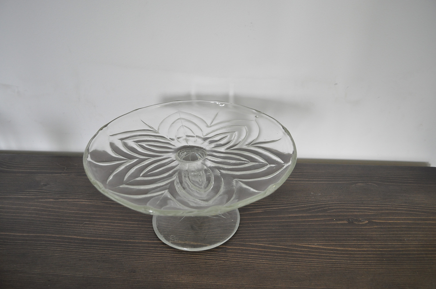 Antique glass cake stand salver omero home for Colored glass cake stand