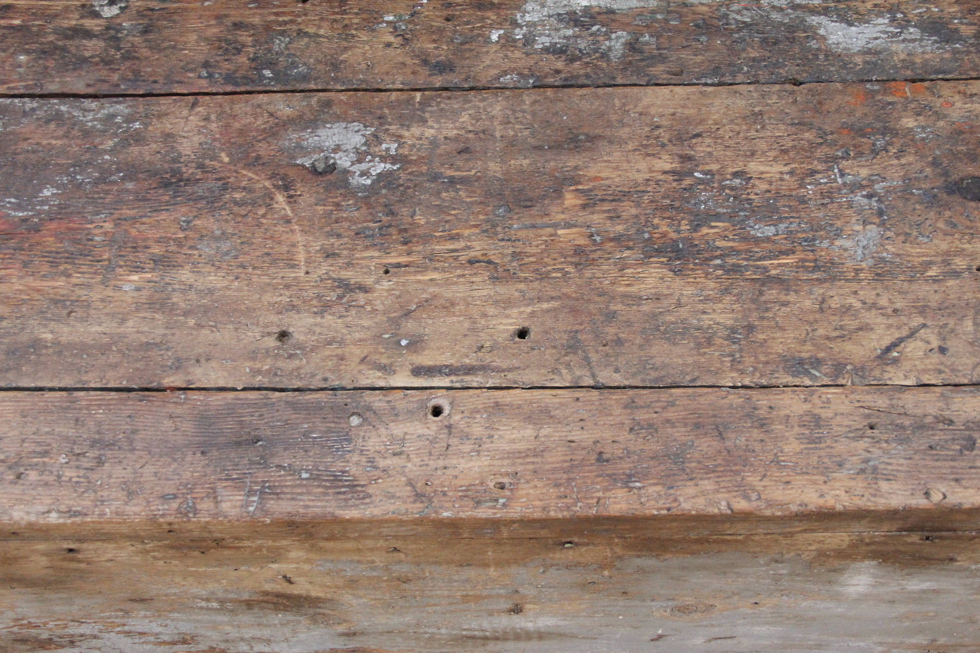 Antique plank farmhouse coffee table bench omero home for Wood plank top coffee table